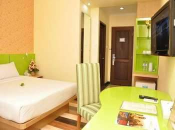 Hotel Pandanaran Semarang - Deluxe Queen Room Only Hot Deal