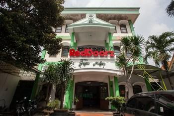 RedDoorz @ Genteng Surabaya 2