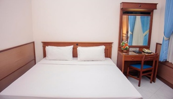 Sapta Nawa Budget Hotel Gresik - Family Room A 3 Bedrooms Regular Plan