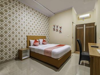 OYO 876 D' Exclusive Tasikmalaya - Deluxe Double Room Early Bird Deal