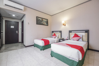 OYO 637 Yasmin Hotel Makassar - Deluxe Twin Room Regular Plan