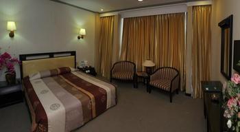 Hotel Yasmin Makassar Makassar - suite double Room Basic Deal
