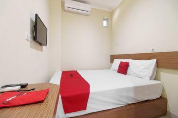RedDoorz @ Jalan Jenderal Sudirman Palembang 2  Palembang - RedDoorz Room with Breakfast Regular Plan