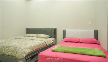M Stay Guest House Yogyakarta - Kamar Keluarga Kamar Mandi Private Regular Plan