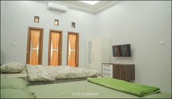 M Stay Guest House Yogyakarta - Kamar Keluarga Kamar Premium Regular Plan