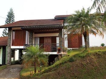 Villa Xanadu Istana Bunga - Lembang Bandung