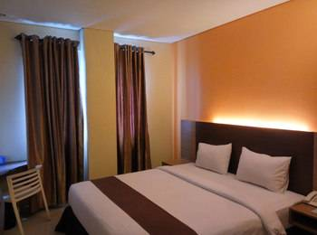 Max Hotel Panakukkang Makassar - Superior Room Only Regular Plan
