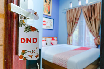 OYO 778 Guest House Amalia Malang Malang - Standard Double Room Regular Plan
