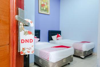 OYO 778 Guest House Amalia Malang Malang - Standard Twin Room Regular Plan
