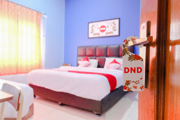 OYO 778 Guest House Amalia Malang Malang - Suite Triple Room Regular Plan