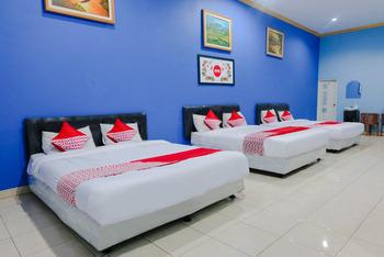 OYO 778 Guest House Amalia Malang Malang - Suite Family Room Regular Plan