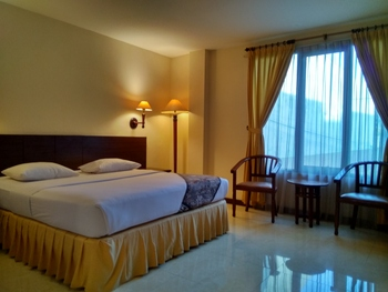Hotel Baron Indah Solo - Deluxe Room Only Regular Plan