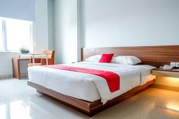 RedDoorz Plus near Pekanbaru Mall Pekanbaru - RedDoorz Premium Regular Plan
