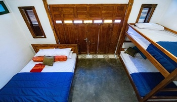 Wave & Chill Canggu Hostel Bali - Standard Private Room Only 4 Person Regular Plan