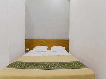 Santo Guest House Surabaya - Deluxe Room Regular Plan
