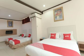 OYO 2057 Hotel Kharisma Banjarmasin - Suite Family  Regular Plan