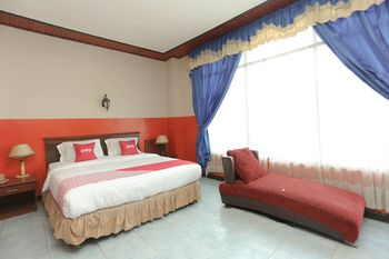 OYO 2057 Hotel Kharisma Banjarmasin - Suite Double Regular Plan