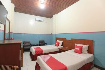 OYO 2057 Hotel Kharisma Banjarmasin - Standard Twin Room Regular Plan