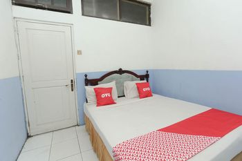 OYO 2057 Hotel Kharisma Banjarmasin - Saver Double Room Regular Plan