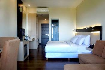 Hotel Puriwisata Baturaden - Deluxe Room With Breakfast Regular Plan