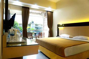 Hotel Puriwisata Baturaden - Superior Non AC plus Breakfast Regular Plan
