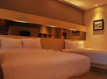 Emerald Hotel Pangandaran - Deluxe Room Only 2 Person Regular Plan