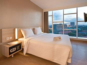 Whiz Prime Hasanuddin Makassar - Superior Double Room Only Regular Plan