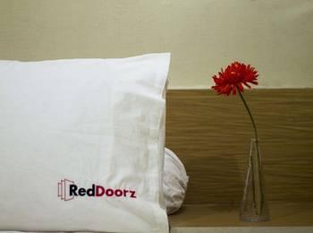 RedDoorz @Ngurah Rai Sanur 2 Bali - RedDoorz Room Special Promo Gajian