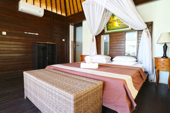 Mega Cottages Bali - Superior Bungalow with AC Big Deal