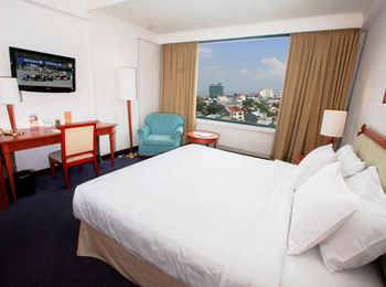 Aryaduta Makassar - Superior Room Today's Deal Get 10% off