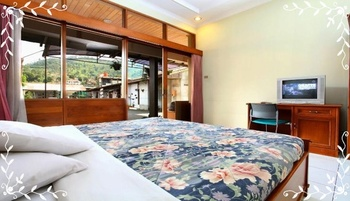 Villa Enggal Lembang Bandung - Standard Double Room Room Only Super Last Minute Deal