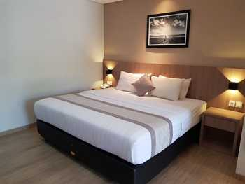 Kertanegara Homestay Jember - Platinum Room Regular Plan