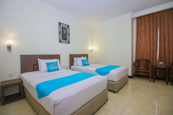 Airy Yos Sudarso 1145 Lubuklinggau - Superior Twin Room with Breakfast Special Promo Mar 5
