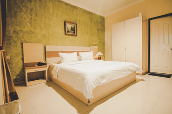 Grand Mansion Hotel Blitar - Deluxe Room Regular Plan