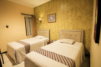Grand Mansion Hotel Blitar - Standard Room Regular Plan