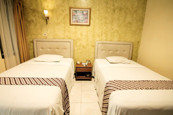 Grand Mansion Hotel Blitar - Standard Room Only Regular Plan