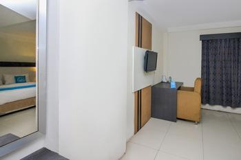 Airy Kendari Barat Diponegoro 75 Kendari - Deluxe Double Room Only Special Promo Jan 5