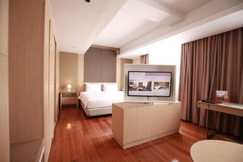 Swiss Belinn Airport Jakarta - Suite Room With Breakfast Regular Plan