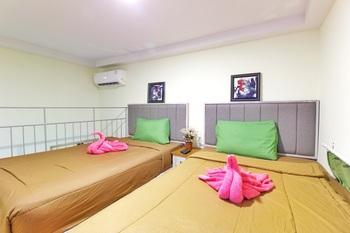 Urbanest Inn House Slipi Jakarta - Deluxe Suite Room Twin with Breakfast Regular Plan