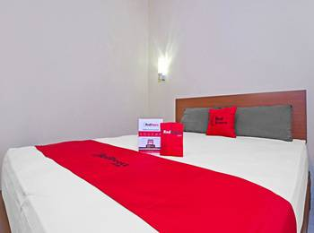 RedDoorz near Trans Studio Mall 2 Bandung - RedDoorz Room Only Last Minute