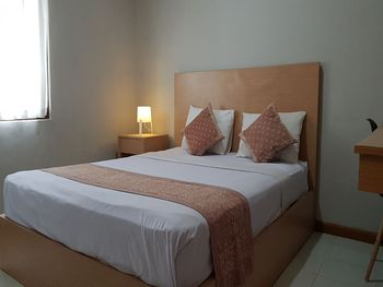 OYO 3819 Hotel Winotosastro Jogja - Deluxe Double Room Big Deals