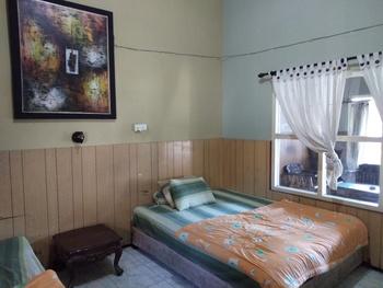 Duta Karya Hotel Bali - Standard Room (Fan) Breakfast FC Min 2 Stay 34%