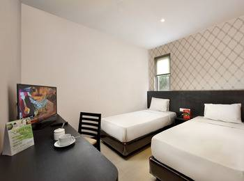 The Kno Hotel Medan - Business Twin Class Room Regular Plan