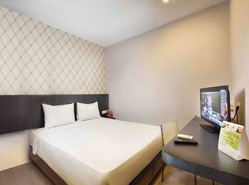 The KNO Hotel Kualanamu - Economy King Room Regular Plan