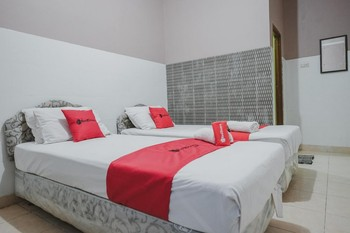 RedDoorz near Central Plaza Lampung Bandar Lampung - RedDoorz Twin with Breakfast Regular Plan