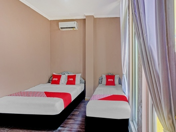 OYO 2657 Pelangi Residence Bandar Lampung - Deluxe Family Room Great Sale