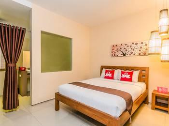 ZenRooms Denpasar Mahendradata - Double Room Only Regular Plan