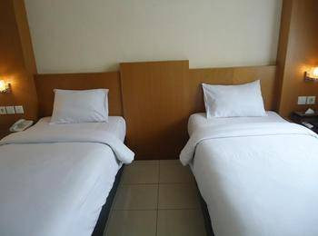 Hotel Cosmo Jambi - Superior Twin Room Regular Plan