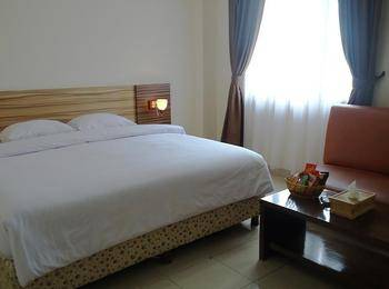 Hotel Cosmo Jambi - Deluxe Room Regular Plan