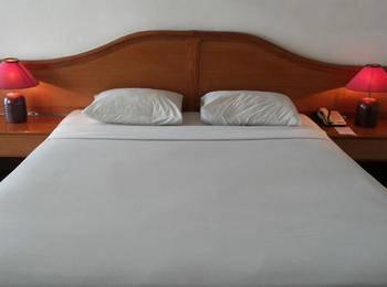 Hotel Crown Tasikmalaya - Queen Double Room Save 10%